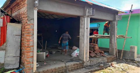 বিজয়নগরে সরকারি জমি দখল করে অবৈধভাবে দোকান নির্মাণ